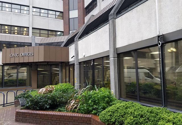 Woking Civic Centre installs low-carbon high performance hybrid cooling solution